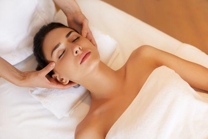 Bon cadeau pour massage californien long - corps et tête (1h30)